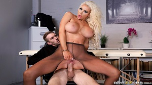 Nicolette Shea – Massaged On The Job