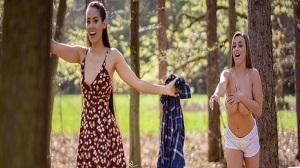 Andreina Deluxe & Josephine Jackson – Big tits beauty licks lovely Latina