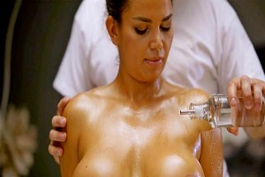 Chloe Lamour – Busty brunette in oiled up ecstasy