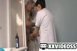 La France A Poil – Papy Gets to Get a Hot Asian Babe