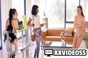Jenna Foxx & Liv Wild – Have You Seen My Clothes