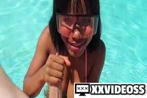 Jenna Foxx – Poolside Blowjob With Cum Goggles
