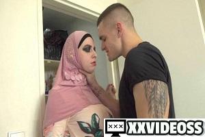 Mia El Camino – Muslim booty call at home