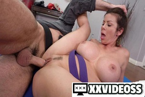 Alexis Fawx – Alexis Fawx Learns Some New Martial Arts Tricks While Sucking Dick