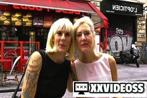 Sophie & Camille – Sophie, 40, awakens her senses!